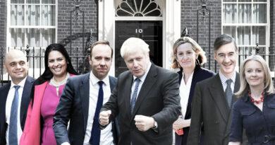 Борис Джонсън прави смяна на министри