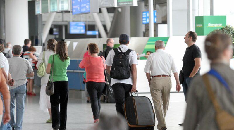 Българите се завръщат в България заради коронавируса